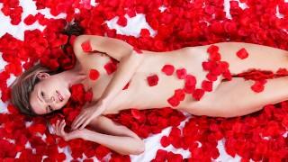 Petite Blonde Gina Gersons Sensual Fantasy Fuck – S1:E6