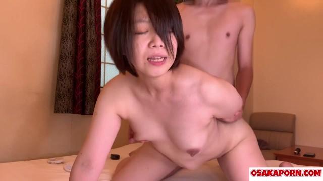 ぽっちゃり好きには堪らない!個人撮影のショートボブの25歳美人さんのセックス : 爆エロフェチ動画