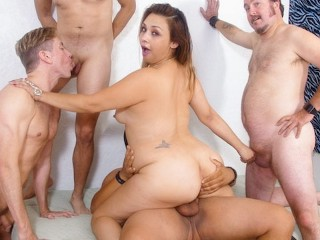 WhiteGhetto Hot BBW Girl Gets DP Gangbanged With Her Bisexual BFF