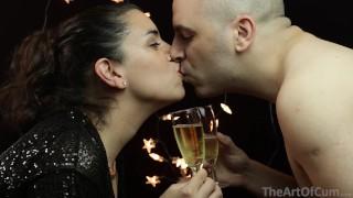 Vidéo porno gratuite - The Art Of Cum Un Toast Pour La Nouvelle Année À Jouir Sperme Sur La Nourriture 8