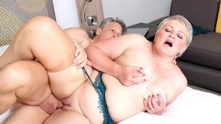AgedLovE Hot Mature Lady Sucking Big Hard Dick