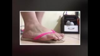 Najlepsze filmy porno - Tici_Feet Ig Ticii_Feet Tupie Po Ziemi Ubrana W Olbrzymkę Havaianas