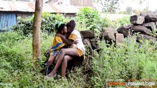 Porn Grátis - African Lesbians Espancando Aquela Bunda Lésbica Negra Feita Em Casa