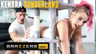 Brazzers Big tit Kendra Sunderland gets stuck and needs some help from Zac Wild