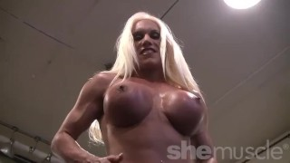 Muscular Ashlee Chambers in the gym