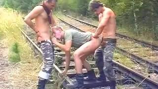 Filmes sexo - Lads Camp Trio Gay Foda Na Ferrovia
