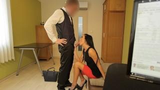 LOAN4K Hottie está lista para sexo sucio para pagar impuestos por una foto
