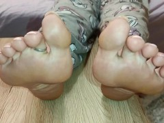 Princess Feet JOI, beautiful toes play and soft soles. Do you want to smell or taste them? (full)