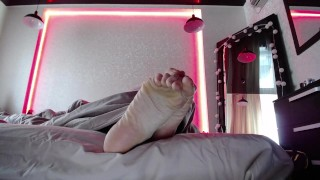 My morning feet POV. Just woke up