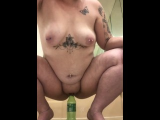 Lexii Sapphire rides a bottle of sprite making her cum and shake.