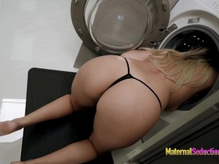 Fucking My Hot Step Mom while She is Stuck in the Dryer - Nikki Brooks ssbbw bonnie