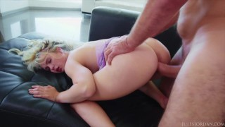 Jules Jordan – Hottie Lilly Bell Gets Fucked & Frosted