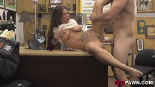 XXX PAWN - Felicity Feline Sure Is Fine, And Desperate For Cash Money. That's A Good Combination!