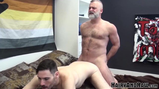 HAIRYANDRAW Bearded Tom Carlton Barebacks Stud Vincent Viau