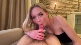 The girl did a blowjob while working! Very nice blowjob!