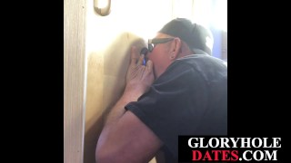 Deepthroating gloryhole DILF pleasing ebony guy
