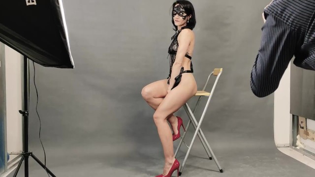 Casting Model: Slutty model sucks photographer's cock and get fucked hard