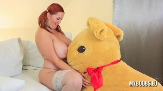 Huge Tits Alexsis Faye in Sexy Lingerie and Soft Toy