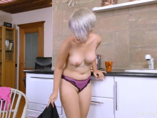 TeenMegaWorld - Ruth - Vibrator for a greate pleasers