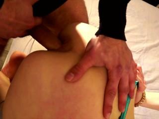 Il marito cuckold mi filma mentre scopo il culone di sua moglie. Amatoriale italiano cuckold dialoghi