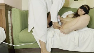 Japanese mature woman blamed by electric massage machine squirting