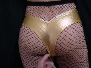 My homie seduce me wearing her golden shorts and fishnet pantyhose and I can´t avoid to cum her ass
