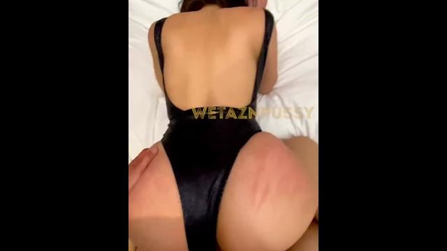 Curvy mylf in sexy swimsuit