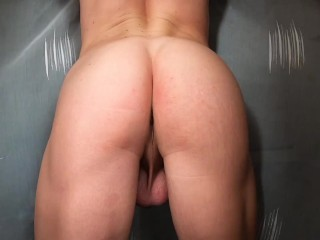 Sexy ass teases with her shaking