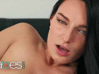 Babes – Stunning Babe Leanne Lace Masturbates While Looking Into Your Eyes