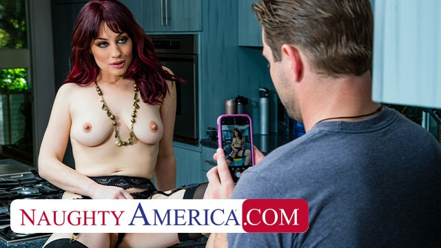Naughty America - Jessica Ryan gets wet when she see's the pool boy's sti ...