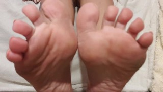 Foot fetish game with footslave