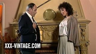 Pornografía gratis - Xxx-Vintage Esposa Infiel Helena Mirelli En Un Trío Vintage