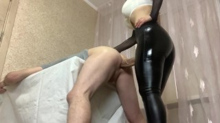 Fucked a big dick of her husband on the table Pegging