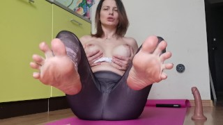 Footjob with Feet Close up, Dirty Talk, JOI – LittleMaryLove