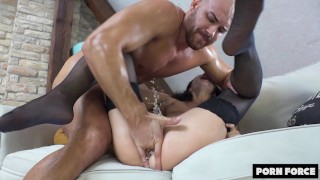 OH FUCK OH FUCK I'M CUMMING! SUPER SQUIRT Intense Power Fuck Makes Her Cum Uncontrollably! ´