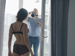 Tricky Photographer fuck hard Insta model after photo session