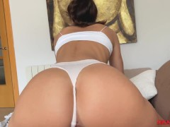 Amateur is very wet, she masturbates and ends up cowgirl reverse, big ass - miss pasion