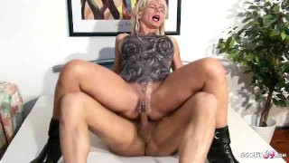 Deepthroat Gag and Anal threesome Sex of two German Mature
