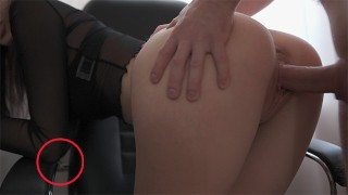 She is So Sexy That the Sperm Flew to the Armrest of the Chair