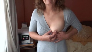 HAIRY, MATURE MOTHER SHOWING OFF IN FRONT OF HER SON'S FRIENDS TO MASTURBATE