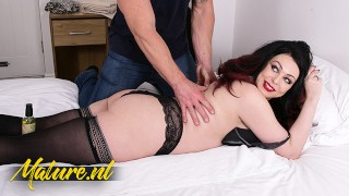 MatureNL Harley Sin Came For a Massage But Ended Up With a Dick In Her Mouth