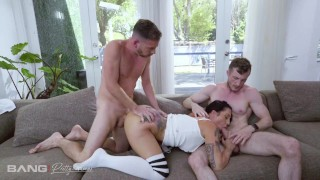 Pretty And Raw PAWG Lilith Morningstar Takes On Two Cocks