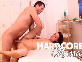 Hardcore Massage – Skinny Milf Oiled-Up & Fucked during Massage