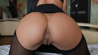 Stepsister in torn pantyhose craves sex