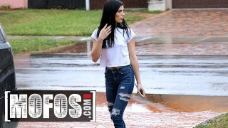 Mofos Cutie Sadie Blake Repays Jmac For Getting Her Out Of The Rain With A Quick Blowjob