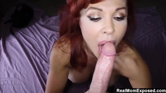 RealMomExposed - Sexy Vanessa Uses All Her Skills To Get A Big Load