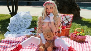 Petite Blonde Kenzie Reeves Hot Picnic Fuck With BF S1E10