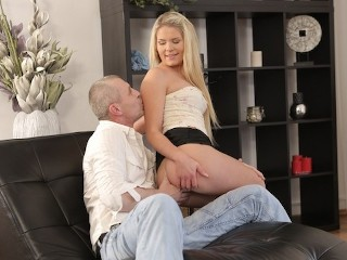 OLD4K Instead of doing chores blonde makes move on her old boyfriend