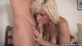 Hot mature blonde pleases  neighbor