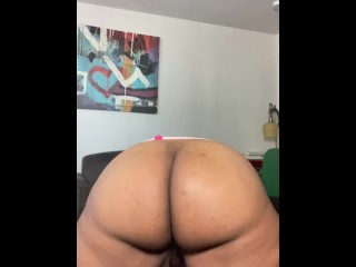 SEXY BBW TEASES,TWERKS, & SQUIRTS IN PINK LATEX SKIRT